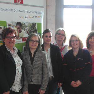 Auf dem Foto sehen Sie von links Ingeborg Göbel-Lerch, Uta Böckel, Anna Seipel, Stephanie Michel, Dorothea Raacke, Monika Hareter, Doris Ruppel-Böhringer und Marianne Moritz.